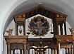 oltar z lončenimi izdelki Prekmurje- počitnice v Prekmurju